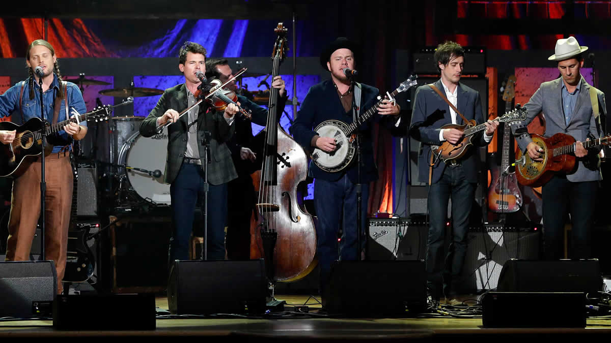 Old Crow Medicine Show – Dirty Old Town (The Dubliners cover) – Live in Mandela Hall, Belfast