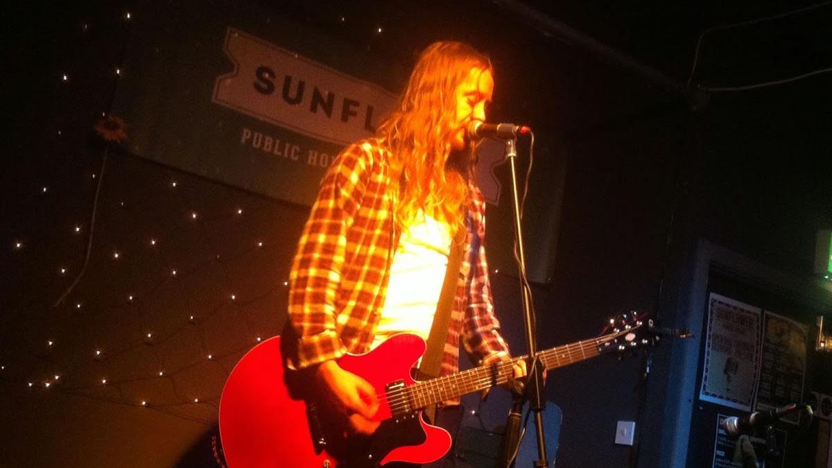 Queer Giraffes – Rocky Too – Live in The Sunflower Bar, Belfast