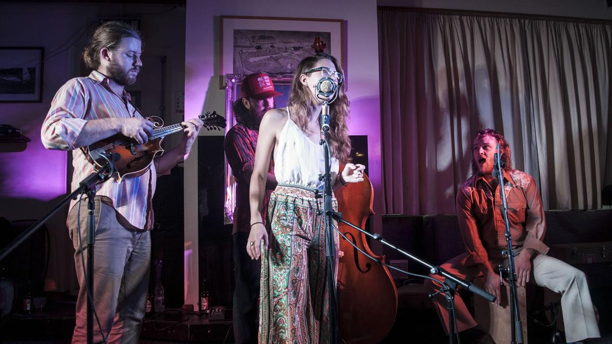 Lindsay Lou and the Flatbellys live in Ballyholme Yacht Club, Bangor