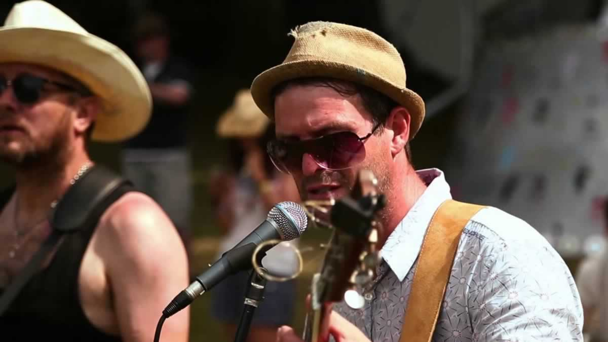 A Blissfields blues exclusive!
